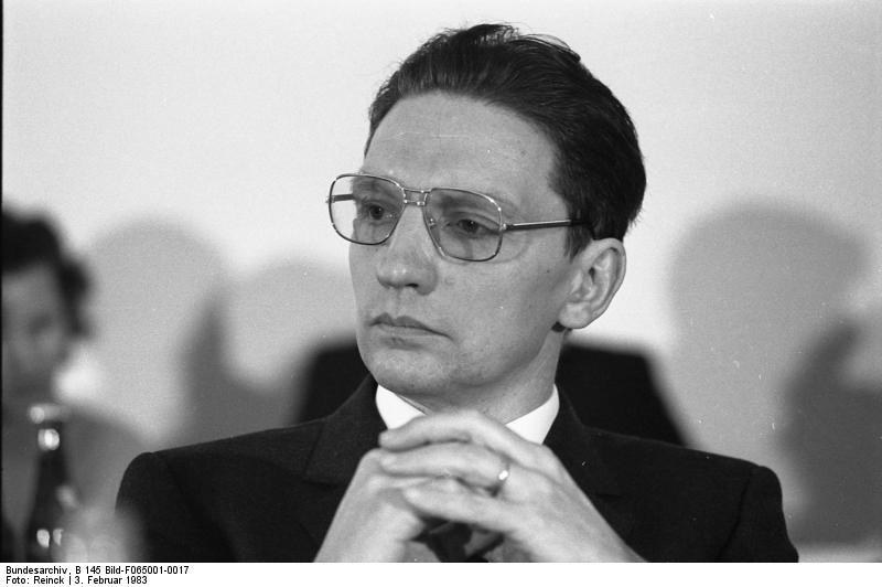 Bundesarchiv_B_145_Bild-F065001-0017,_Bonn,_CDU-Friedenskongress,_Pannenberg